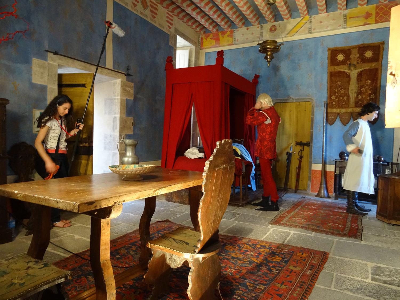 tournage royal dans la forteresse de tourno l le comte de fay blog. Black Bedroom Furniture Sets. Home Design Ideas